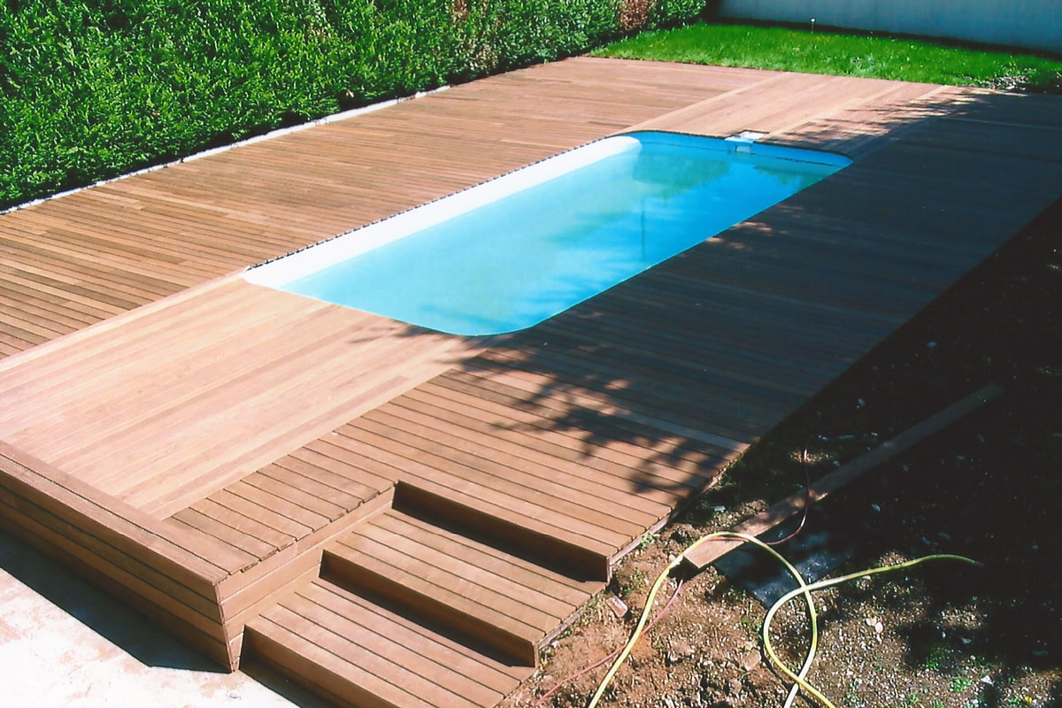 Nos terrasses en bois exotique for Piscine sans margelle